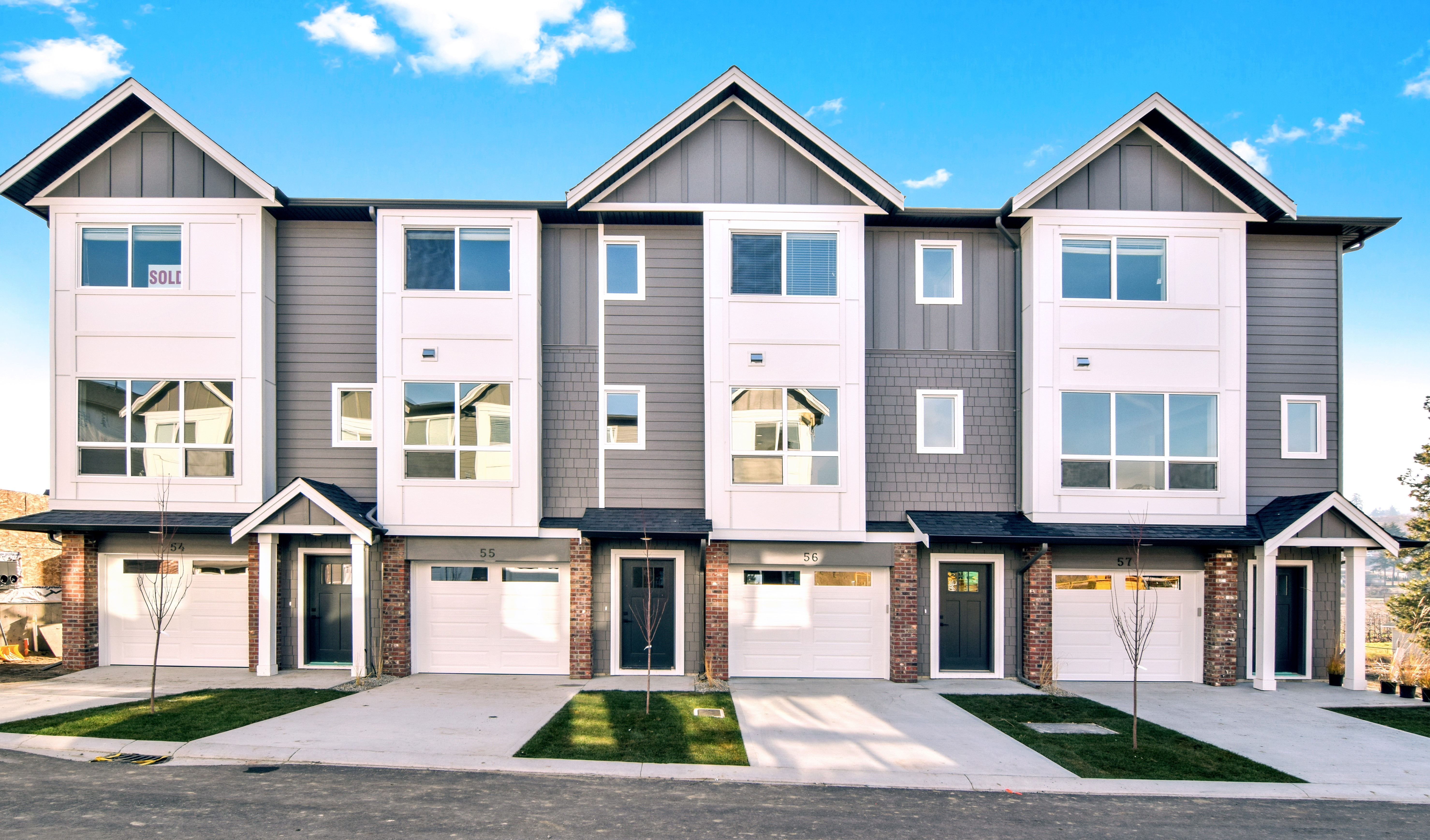 Now Selling 3 bedroom townhomes in Lake Country, BC